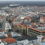 Innenstadt_Leipzig_mit_Thomaskirche_von_Panorama_Tower_2013